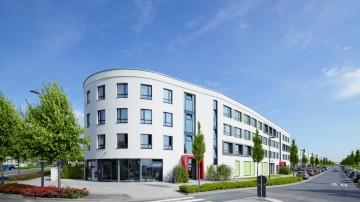 frankfurt-am-main-altenhoeferallee-30